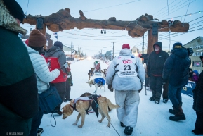 Aily Zirkle and team crossed the finish line in Nome, AK on March 18, 2020.